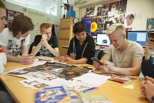 Grafisk design - lær at designe logoer og brochure